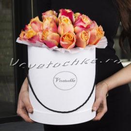 доставка цветов Москва, цветы Москва, купить цветы в Москве, цветы недорого Москва, заказать цветы Москва, цветы, Москва, доставка, букет, шляпная коробка, коробка, шляпная коробка цветов, коробка цветов, роза, роза оранжевая, коробка роз