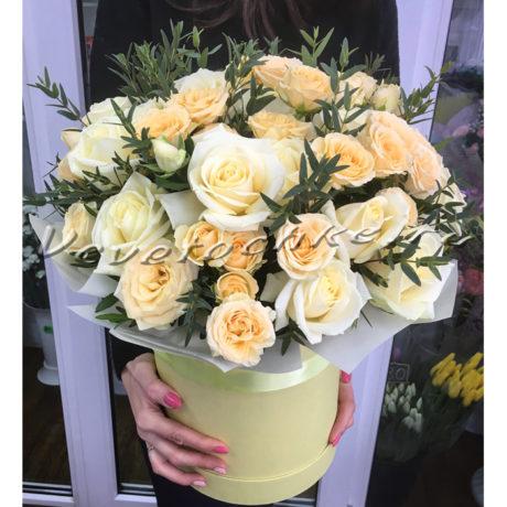 доставка цветов Москва, цветы Москва, купить цветы в Москве, цветы недорого Москва, заказать цветы Москва, цветы, Москва, доставка, букет, шляпная коробка, коробка, коробка цветов, коробка роз, шляпная коробка роз, роза, кустовая роза, эвкалипт