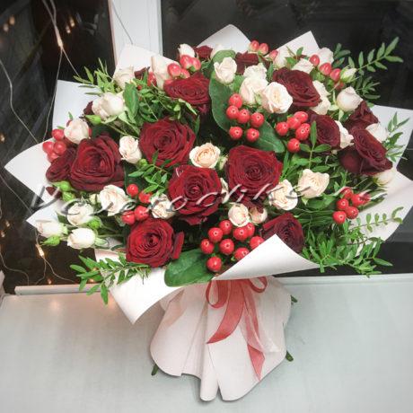 доставка цветов Москва, цветы Москва, купить цветы в Москве, цветы недорого Москва, заказать цветы Москва, цветы, Москва, доставка, букет, роза, кустовая роза, красная роза, гиперикум