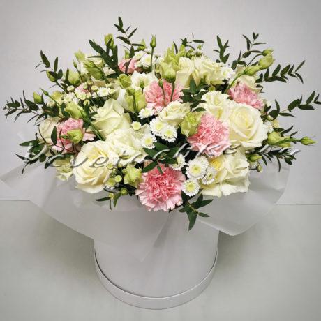 доставка цветов Москва, цветы Москва, купить цветы в Москве, цветы недорого Москва, заказать цветы Москва, цветы, Москва, доставка, букет, коробка, коробка цветов, шляпная коробка, гвоздика, роза, хризантема, кустовая хризантема, сталлион, эустома