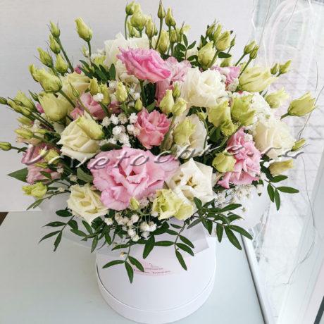 доставка цветов Москва, цветы Москва, купить цветы в Москве, цветы недорого Москва, заказать цветы Москва, цветы, Москва, доставка, шляпная коробка, цветы, цветы в коробке, эустома