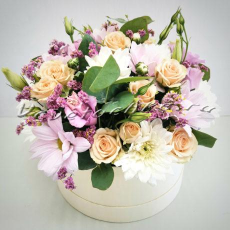 доставка цветов Москва, цветы Москва, купить цветы в Москве, цветы недорого Москва, заказать цветы Москва, цветы, Москва, доставка, шляпная коробка, роза, кустовая роза, хризантема, кустовая хризантема, эустома, эвкалипт
