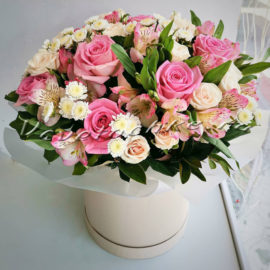 доставка цветов Москва, цветы Москва, купить цветы в Москве, цветы недорого Москва, заказать цветы Москва, цветы, Москва, доставка, коробка, шляпная коробка, коробка цветов, роза, альстромерия, кустовая роза, сталлион