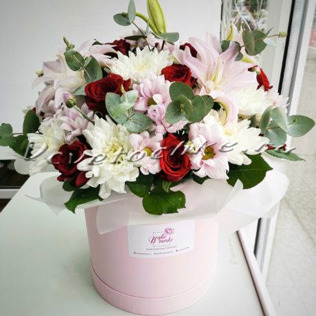 доставка цветов Москва, цветы Москва, купить цветы в Москве, цветы недорого Москва, заказать цветы Москва, цветы, Москва, доставка, коробка, шляпная коробка, коробка цветов, роза, лилия, хризантема