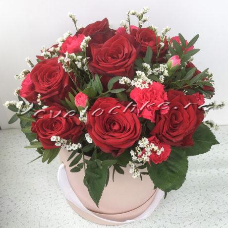 доставка цветов Москва, цветы Москва, купить цветы в Москве, цветы недорого Москва, заказать цветы Москва, цветы, Москва, доставка, коробка, шляпная коробка, коробка цветов, роза, диантус, диантус кустовой